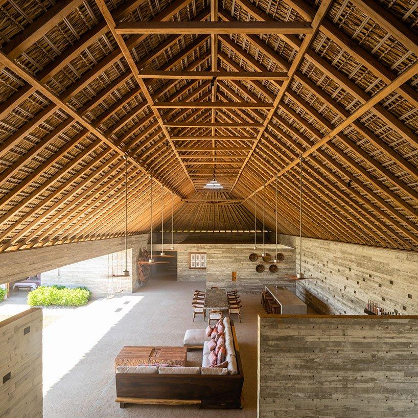Feuilles de palmier séchées + toit en bois de parota local pour maison de vacances au Mexique