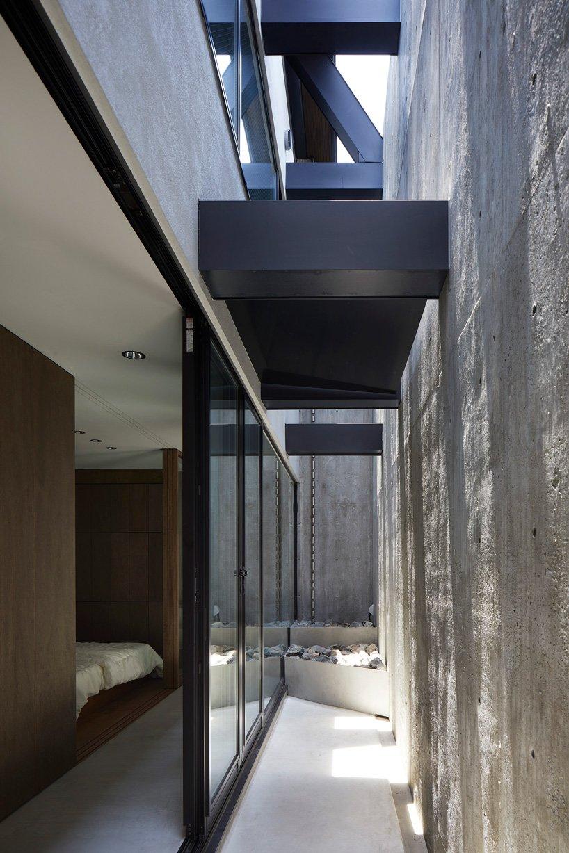 Supposons que le bureau d'études construit une maison en béton ressemblant à un bunker à Tokyo