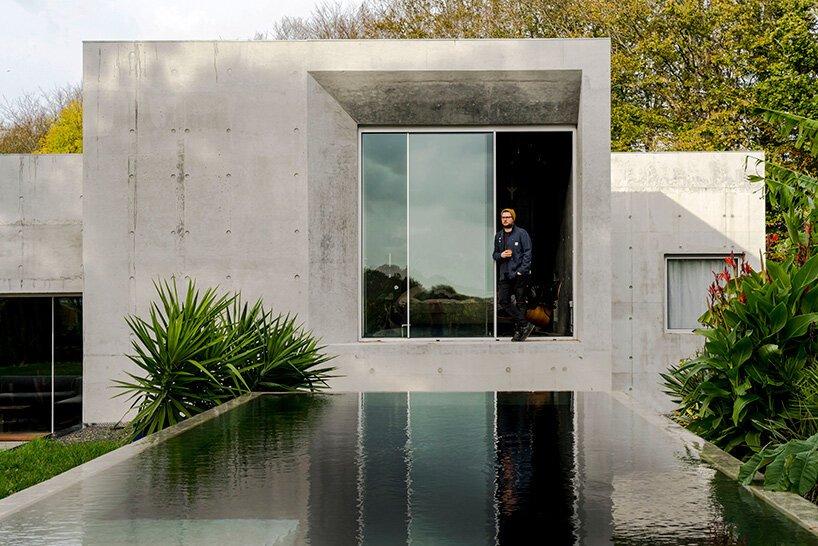 Atelier d'architecture `` maison en béton '' de RAW documenté par tarry + perry