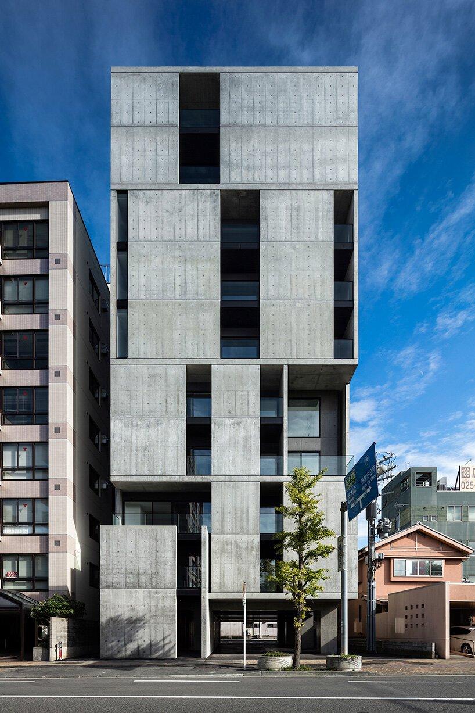 le complexe de logements en béton de takuyahosokai à niigata comprend 34 logements