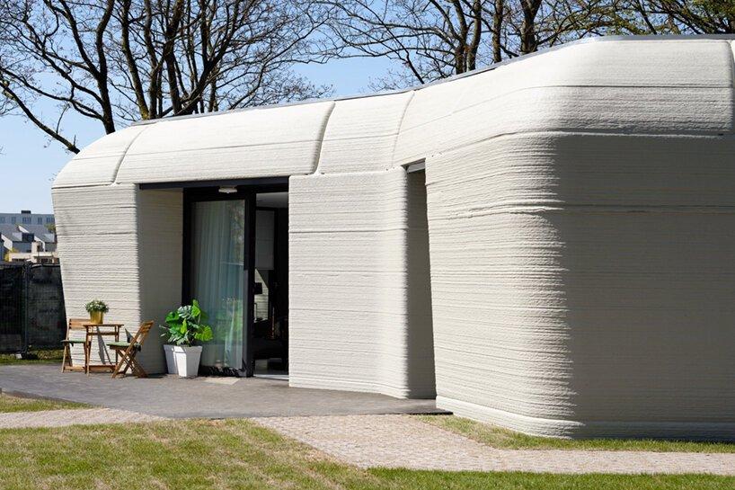 Un couple néerlandais emménage dans la première maison imprimée en 3D d'Europe à Eindhoven, aux Pays-Bas