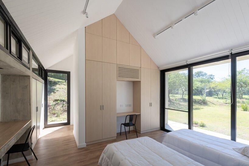 La maison TT du studio GRUPO est un volume de béton minimaliste en argentine